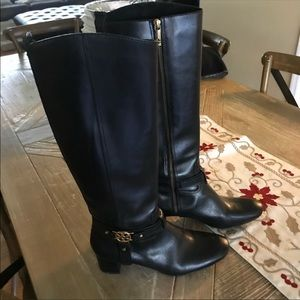 Authentic Tory Burch boot
